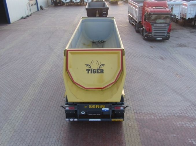 Самосвал SERIN TIGER Half Pipe Tipper